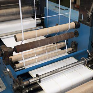 Equip 3000 dispone de maquinaria para la impresión de etiquetas neutras para impresiones por láser tóner y transferencia térmica